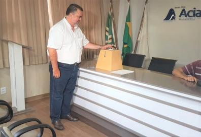 CARLOS COBRA É REELEITO PRESIDENTE DA ACIA